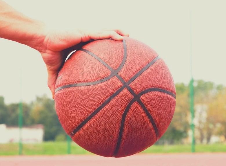 Best Indoor/Outdoor Basketballs: Spalding, Wilson, Baden. Difference between indoor and outdoor basketball.