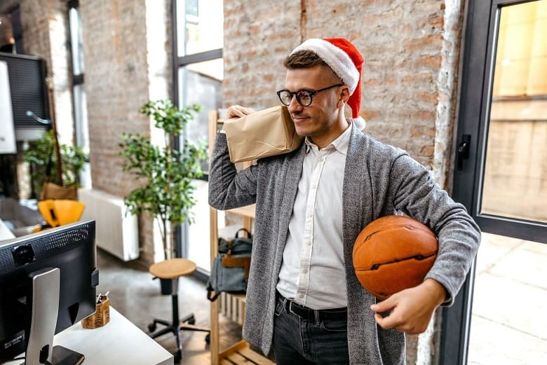 Best Gifts for Basketball Players. Best Basketball Gifts. Best Basketball Backpacks. Best Christmas gifts for basketball players. best gifts for basketball lovers. basketball novelty gifts.