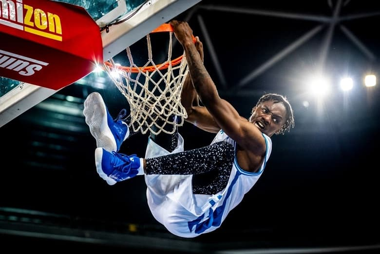 Dunking Shoes. best basketball shoes for dunking. best basketball shoes for vertical jump. Best Basketball Shoes for Vertical Jump. basketball shoes that increase vertical.